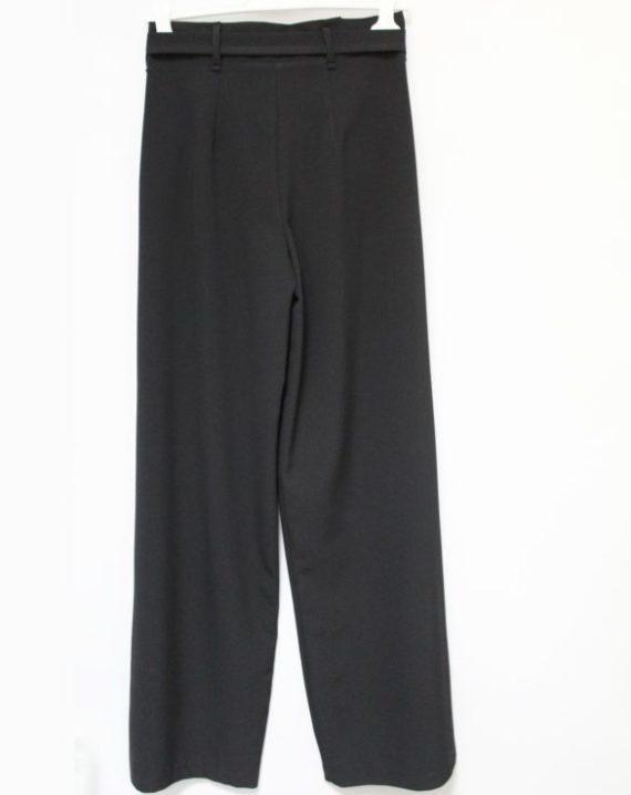 Pantalone Akè